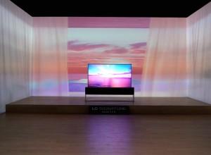 2019 CES LG OLED TV R 08